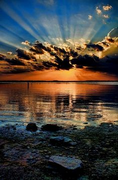 Wolken ✯ A Rockin Sunset! How An Adopted Person Can Find Their Birth Family In nearly all States, ad Beautiful Nature Wallpaper, Beautiful Sunset, Beautiful Landscapes, Beautiful Nature Pictures, Calming Pictures, Beautiful Places, Relaxing Photos, Best Nature Wallpapers, Sunset Wallpaper
