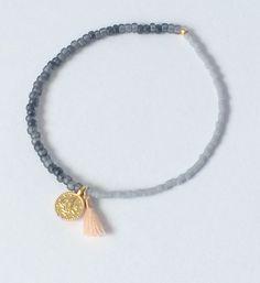 Armbänder - feines Armband mit kleinen Perlen und 2 Anhängern - ein Designerstück von von-Ela bei DaWanda