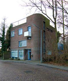House Wieringa (1956-57) in Middelharnis, the Netherlands, by Van den Broek & Bakema