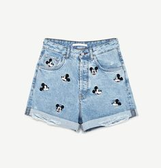 We always get excited over a new Disney release at Zara. These Zara Mickey Mouse shorts are everything a Disney Style fangirl needs for summer. #MickeyMouse