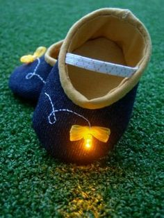 Firefly baby booties tutorial - how cute! (I probably won't ever actually make them, but darling nonetheless)