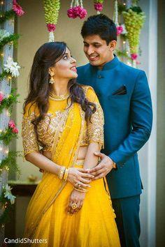 wedding couple Wedding Photos Indian Couple Ideas For 2019 Indian Engagement Photos, Indian Wedding Poses, Indian Wedding Couple Photography, Couple Photography Poses, Indian Bridal, Indian Wedding Receptions, Indian Weddings, Peach Weddings, Wedding Mandap