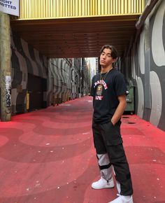 i like this outfit 🔥🔥 Korean Fashion, Street Wear, Street Style, Guys, Tik Tok, My Love, Daddy, Aesthetics, Outfit Ideas