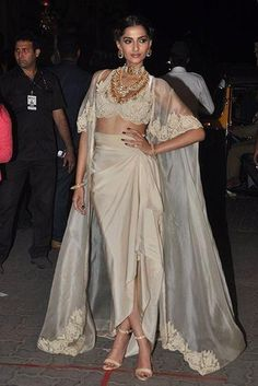 Best Indian Wedding Fashion from 2015 Sonam Kapoor in Anamika Khanna – crop top – cape – skirt – Indian fashion – Indian couture – fashion Pink Evening Dress, Sequin Evening Dresses, Evening Dresses With Sleeves, Evening Dresses Plus Size, Plus Size Dresses, Nice Dresses, Indian Attire, Indian Wear, Indian Outfits