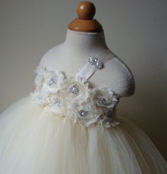 Dress made out of tulle and headbands. Going to make my girls these.
