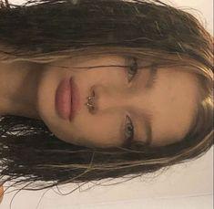 Bijoux Piercing Septum, Spiderbite Piercings, Piercing Tattoo, Facial Piercings, Dermal Piercing, Aesthetic Hair, Aesthetic Makeup, Piercing No Rosto, Hairstyles With Bangs