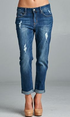 Fall in love with our skinny boyfriend jeans. #specialajeans #skinnyboyfriend #boyfriendjeans