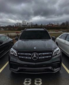 Best classic cars and more! Mercedes Benz Canada, Mercedes Benz World, Mercedes Benz Trucks, Mercedes Benz Models, Mercedes Benz Cars, Benz Suv, Merc Benz, Lux Cars, Classic Mercedes
