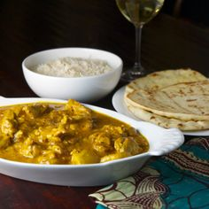 * * * * Chicken Vindaloo - Really easy curry! Will be adding potatoes to this recipe as well.
