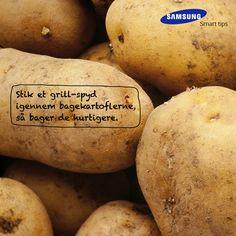 Stik et grill-spyd igennem bagekartoflerne, så bager de hurtigere. Et smart tips fra det danske kokkelandslaget #SamsungSmartTips