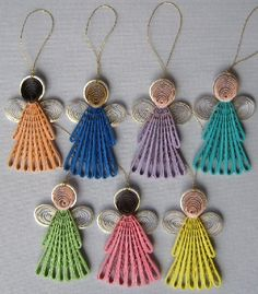 Quilling Engel Ornamente Ihrer Wahl von BarbarasBeautys auf Etsy Quilling angel ornaments of your choice from BarbarasBeautys on Etsy Neli Quilling, Paper Quilling Jewelry, Origami And Quilling, Quilled Paper Art, Quilling Earrings, Quilling Paper Craft, Paper Jewelry, Quilling Ideas, Quilled Roses