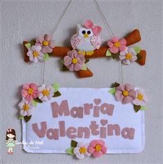 °°Mais Corujinhas em Feltro... - Sonhos de Mel 'ੴ - Crafts em feltro e tecido Baby Mobile Felt, Felt Baby, Felt Wreath, Felt Garland, Handmade Crafts, Diy And Crafts, Felt Banner, Owl Fabric, Creation Deco