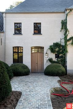 卡特雷花园(Charterre Gardens),带有乡村花园Itegem高阶特色#家#… - Most Beautiful House Designs 2020 Building A New Home, Modern Kitchen Design, Modern Design, House Front, Exterior Design, House Paint Exterior, Future House, Outdoor Gardens, Outdoor Living
