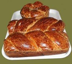 Cozonac pufos cu umplutcoura de nuca Romanian Food, Romanian Recipes, Baked Potato, French Toast, Bakery, Deserts, Food And Drink, Cooking, Breakfast