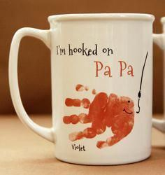 Baby crafts Grandpa - Your child's actual prints! Daddy and Grandpa Mug for christmas gift, handprint art keepsake, Fish Handprint Mug 402 mug, baby christmas Baby Christmas Gifts, Babies First Christmas, Christmas Presents For Grandparents, Diy Christmas, Baby Christmas Activities, Boys Presents, Boyfriend Presents, Christmas Place, Mugs