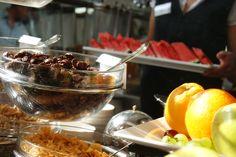 Frühstücksbuffet mit regionalen uns saisonalen Spezialitäten