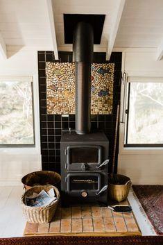 Te Kuiti Bruny Island – Te Kuiti Accommodation of Bruny Island Bruny Island, Tasmania, Outdoor Dining, Kitchen Dining, Home Appliances, Cottage, Bedroom, Wood, House