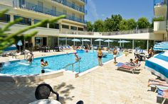 Swimming Pool - www.hotelmiamijesolo.it