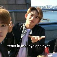 Memes Funny Faces, Funny Kpop Memes, Crazy Funny Memes, New Memes, Art Jokes, Jokes Quotes, Asian Meme, Lucas Nct, K Meme