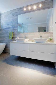 Badgestaltung Ideen Moderne Bader Badgestalting In Weis Und Grau Eckiger  Spiegel