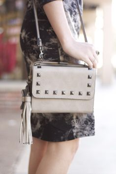 taupe style, tie-dye dress, taupe handbag with studs, fall style