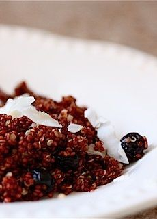 Rooibos Quinoa with Dried Blueberries and Coconut - Eat, Live, Run Dried Blueberries, Tea Infuser, Vanilla Flavoring, Some Recipe, Tea Recipes, Nutritious Meals, Superfoods, Quinoa, Blueberry