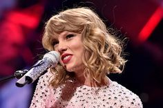 """8 Crucial Facts About Taylor Swift's New Album """"1989"""""""