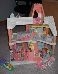 Playskool doll house - LOVED this thing. My parents still have it at their house for when my kids play over there. Vintage Dollhouse, Victorian Dollhouse, Dollhouse Dolls, 90s Childhood, Childhood Memories, Playskool Dollhouse, Back In The 90s, 90s Toys, Victorian Dolls