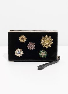 I've Started Exclusively Carrying Clutches, and I'm Never Going Back