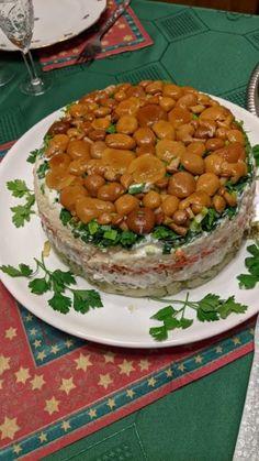 """""""Gombás-rét"""" - salátatorta - Házvezető 3k (kreatív-konyha-kert) Chana Masala, Ethnic Recipes, Food, Essen, Meals, Yemek, Eten"""