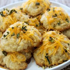 If you love the taste of cheddar with an elevated kick of Jalapeño flavor then this biscuit mix is for you! An appealing blend with a nice level of heat. Quick, easy and delicious! - *Contains: Milk,