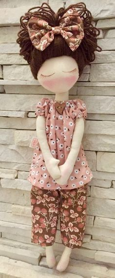 Rag doll things -- Click Visit link above for more info Doll Crafts, Diy Doll, Doll Toys, Baby Dolls, Deco Rose, Sewing Dolls, Waldorf Dolls, Doll Hair, Soft Dolls