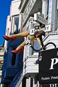 San Fancisco Architecture : Haight Ashbury neighborhood in San Francisco. Living In San Francisco, San Francisco City, San Francisco California, California Dreamin', Northern California, Nevada, Woodstock, Haight Ashbury, San Fransisco