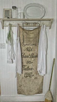 Shabby Chic Home Interiors – Decorating Tips For All French Country Farmhouse, French Country Decorating, Farmhouse Chic, Vintage Farmhouse, Country Primitive, Shabby Chic Kitchen, Shabby Chic Homes, Romantic Kitchen, Beautiful Kitchen