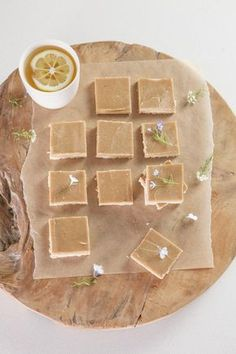 RAW Ginger Slice // free from refined sugars, gluten, dairy. Sweetened naturally with the mineral rich pure maple syrup.