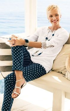 50+ Gorgeous Summer Outfits for Women Over 40 Years Old #women'sfashionover50yearolds #women'sfashion40yearolds