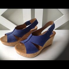 35d4bb585ac42 Sandals Strappy nubuck leather sandals with side velcro closure