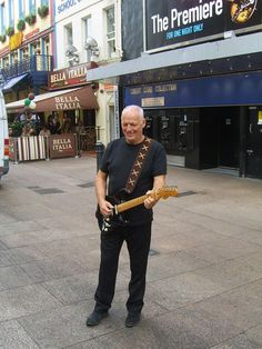 David Gilmour, Leicester square