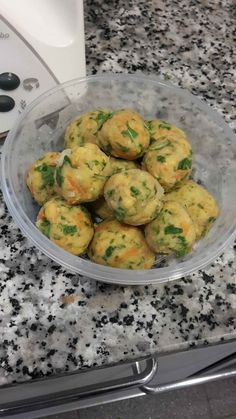 Polpette vegetariane ceci e rucola - Leomamma - food - Quinoa Recipes Raw Food Recipes, Veggie Recipes, Italian Recipes, Healthy Recipes, Dinner Recipes, Quick Recipes, Quick Vegetarian Meals, Vegetarian Meatballs, Raw Vegetables