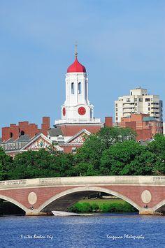 Boston. Harvard University campus by Songquan Deng, via Flickr