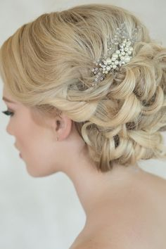 The Most Gorgeous Short Wedding Hairstyles All Hairstyles, Trending Hairstyles, Black Women Hairstyles, Elegant Hairstyles, Formal Hairstyles, Loose Updo, Up Dos For Medium Hair, Twisted Updo, Short Wedding Hair