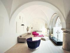 Interieur inrichting klooster woning in Barcelona | Inrichting-huis.com