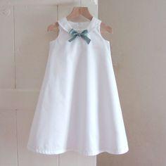 robe de baptême de coton avec de la soie bow... le par righthand