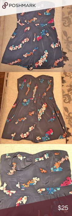 ☀️EUC SUMMER American Eagle Floral Romper☀️ Size 0 Strapless romper Sweetheart/bodice style neckline  Short American Eagle American Eagle Outfitters Pants Jumpsuits & Rompers