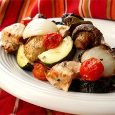 This is a nice change from the ordinary grilled chicken. This is excellent served with pita bread, a garlicky tzatziki, and a Greek salad. Lamb can be substituted for the chicken, and many variations … Kebab Recipes, Diet Recipes, Chicken Recipes, Healthy Recipes, Recipies, Greek Recipes, Grilled Recipes, Smoker Recipes, Healthy Meals