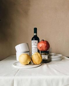 [ Werbung] Yes, I do love still lives. Today the Italian style with ❤️😋 Object Photography, Food Photography Styling, Still Life Photography, Food Styling, Photography Ideas, Richard Diebenkorn, Still Life Photos, Joan Mitchell, Italian Style