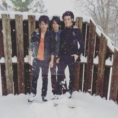 Sorry #NewYorkers... I know it's #Sunday but these dudes are NOT going anywhere just yet.  Remember the #TravelBan to stay away from the streets after 2.30PM (or #NYPD will arrest you for real) Stay warm... Stay safe! x  #JonasBlizzard #TheJonasBrothers #NickJonas #JoeJonas #KevinJonas #Blizzard2016 #Jonas #NewYork #Blizzard #NYC #EastCoast #EastCoasters #WinterStormJonas #HappySunday #StaySafe by theadamscorner