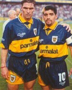Blas Giunta, y Diego Boca Juniors Football Gif, Football Players, Premier League, Diego Armando, Retro Pictures, Team Games, Football Uniforms, My Dream Team, Fifa