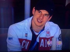 Sidney Crosby supporting Team Canada at the womens' gold medal game