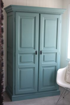 idea: rip old doors in half vertically. build shelving frame in kitchen. attach doors all the way across the front add crown & base moulding voila! Wardrobe Furniture, Diy Wardrobe, Japan House Design, 4 Panel Doors, Painted Furniture, Diy Furniture, Base Moulding, Tool Sheds, Old Doors